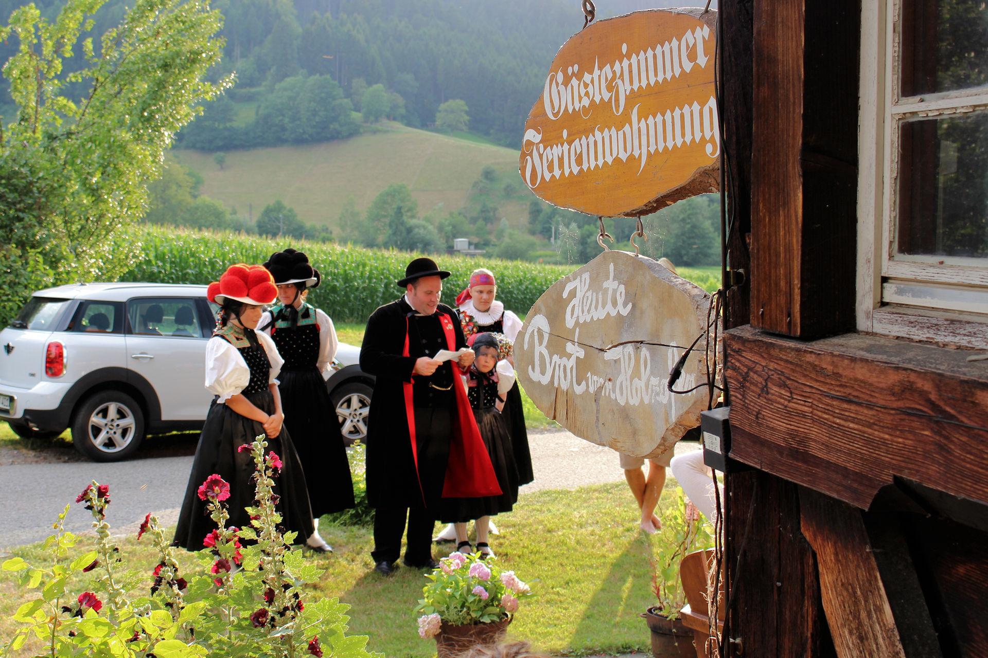 Schwarzwälder Bollenhut-Tracht